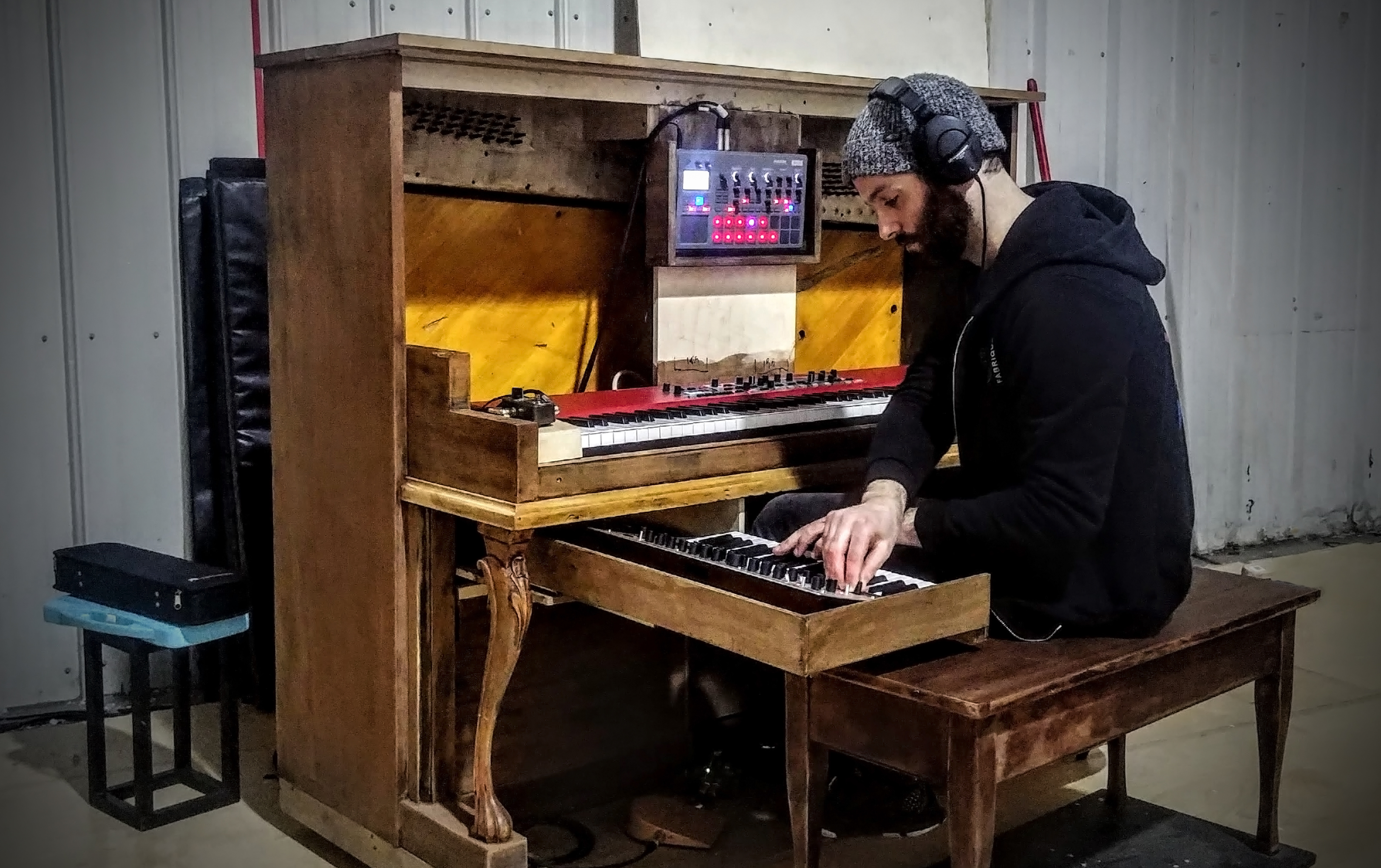 Création De Rideaux Originaux creation journal : live music and an altered piano for